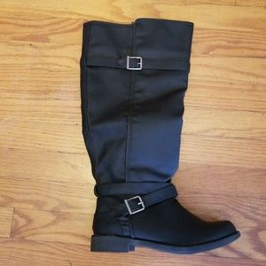 Justfab ride around boot size 9w, with wide calf